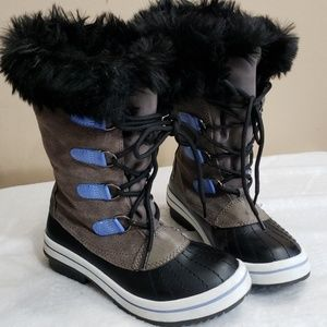 Girls fur winter boots size 4y
